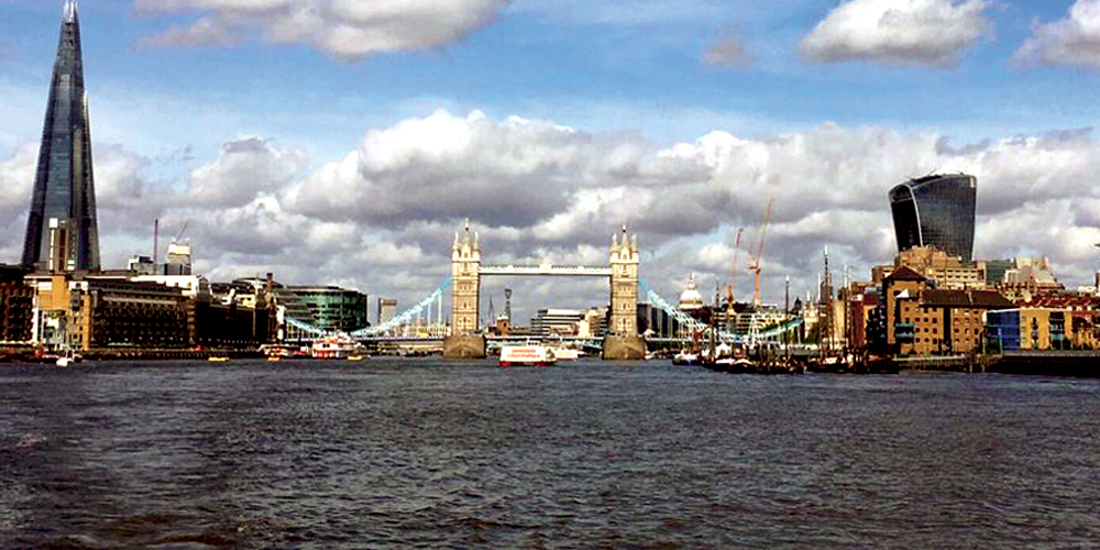 Photo of London Bridge by John Lugo-Trebble