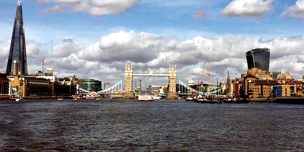 Photo of London Bridge by John Lugo-Trebble